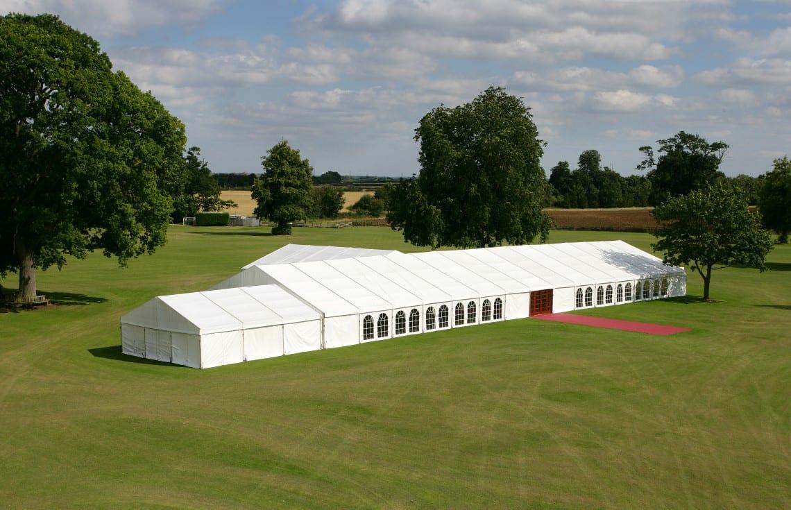 Duża ogrodowa hala namiotowa na przyjęcia lub bankiety