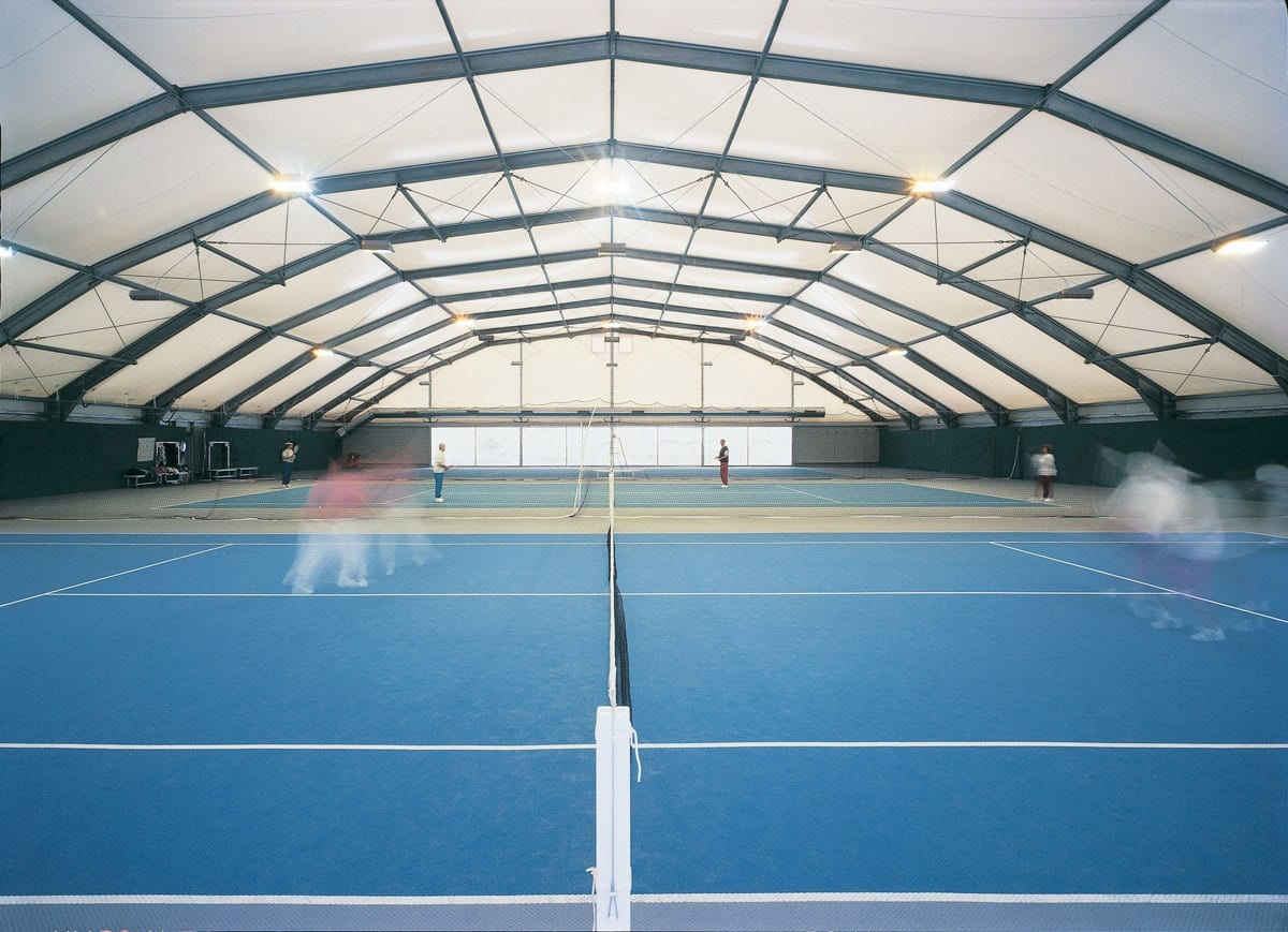 Hala namiotowa z kortami tenisowymi