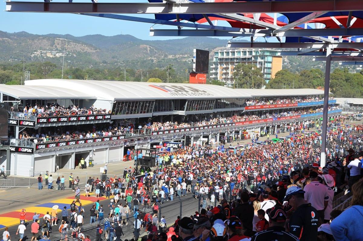 Wielopoziomowa konstrukcja tymczasowa na dużą imprezę sportową